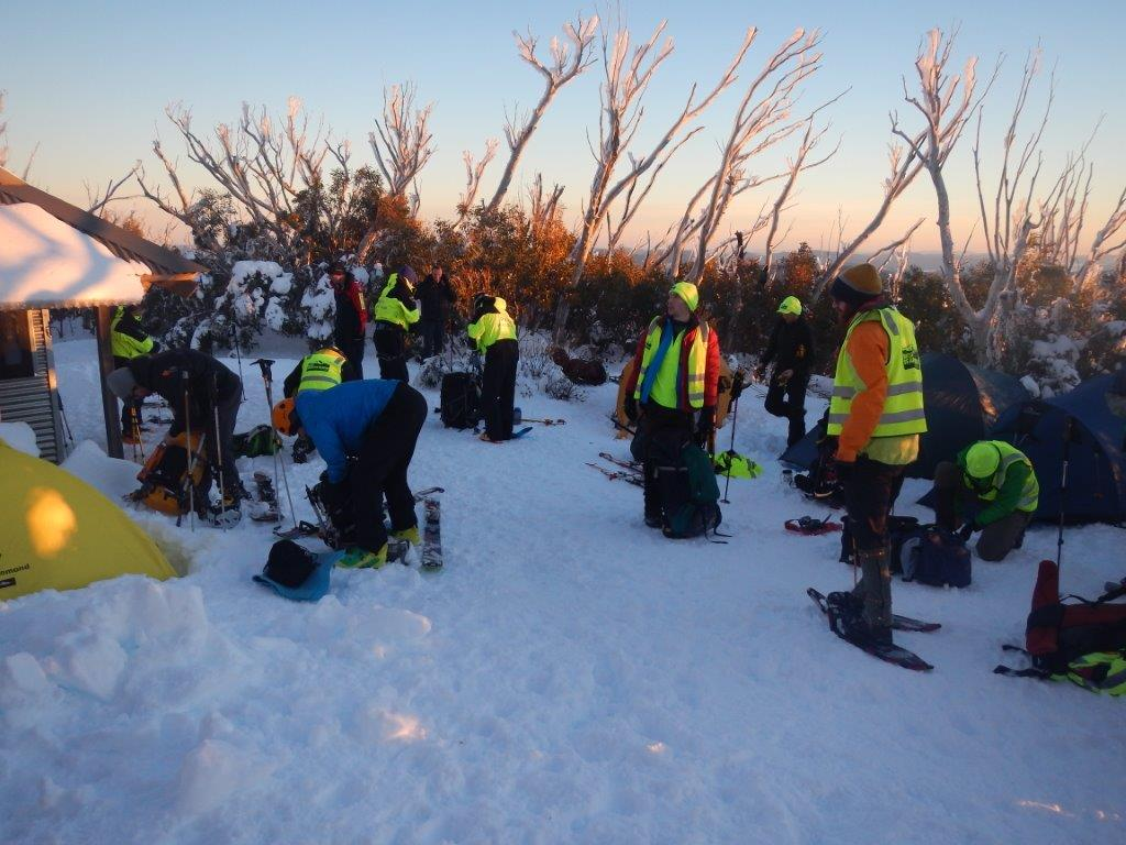 Police Search and Rescue and BSAR searchers preparing at Michell Hut